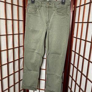 American Eagle super stretch green Tomgirl pants